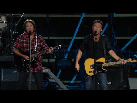 Bruce Springsteen w. John Fogerty - Pretty Woman - Madison Square Garden, NYC - 20091029&30
