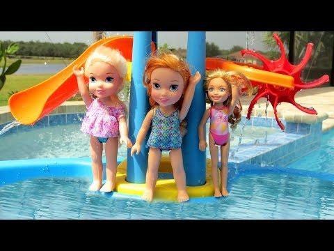 WATER PARK Elsa & Anna toddlers empty the Pool Water Fun Swim Pool Party Splash Sand