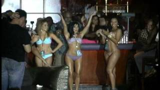 Cafe Iguana, Pines mini bikini.mp4