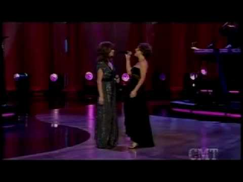 Kelly Clarkson and Martina Mcbride - Does he love you Live