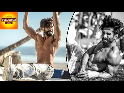 Shahid Kapoor Looks Lustfull In SHIRTLESS Photoshoot | Bollywood Asia