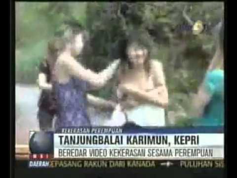 Video Cewek Wanita Ditelanjangi di Balai Karimun Riau 3gp.flv.mp4
