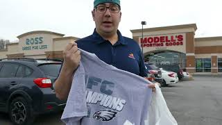 Four-year-old does Eagles chant in Modell