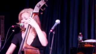 Nicki Parrott and the Les Paul Trio - I'll Be Your Baby Tonight - Live from A JAZZ SALUTE TO LES