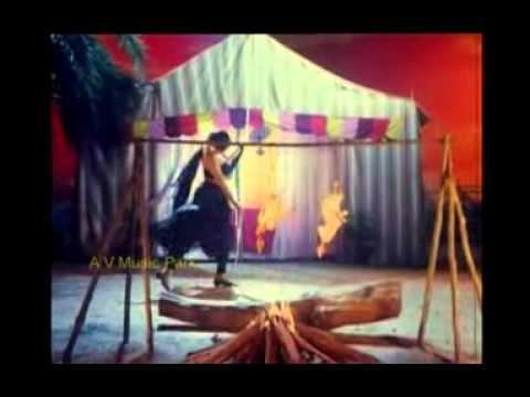 Banupriya hot song with karthick in chakaravarthy