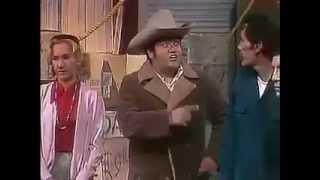 El Chapulín Colorado *Aunque el Cuajinais se vista de Seda, Mono se queda* 1974