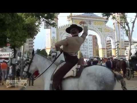Feria de Sevilla 2014. Unas Sevillanas Bailadas A Caballo .