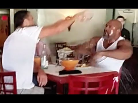 Wladimir Klitschko Fights Shannon Briggs & throws Water in his Face in a Restaurant Full Fight