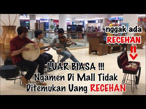 Pengamen ini nekat masuk Mall & menyanyikan lagu Deen Assalam