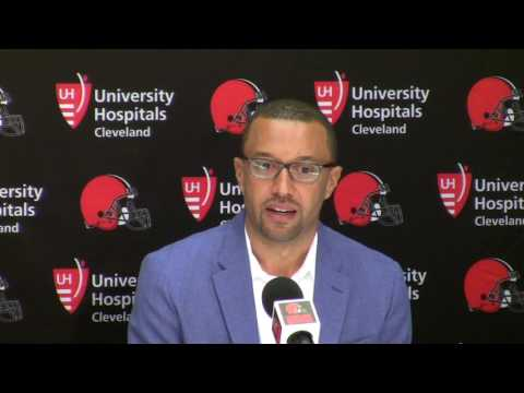 Cleveland Browns Sashi Brown Don t expect team to move down in NFL Draft