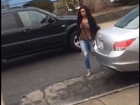 Incredible Video Ex girlfriend going crazy and attempted MURDER