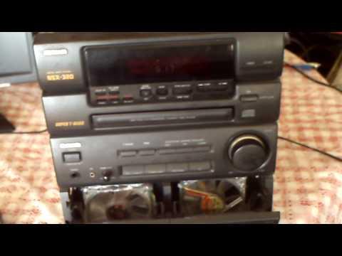 mi radio fusionada con un pc y un amplificador de auto jeje que looco