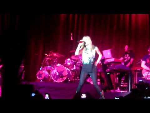 Girlfriend - Avril Lavigne Live in Belo Horizonte, Brasil