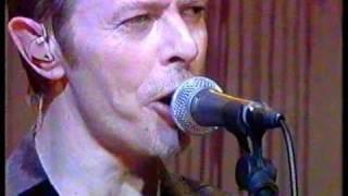 David Bowie 'Boys Keep Swinging' Live @ White Room 1995.