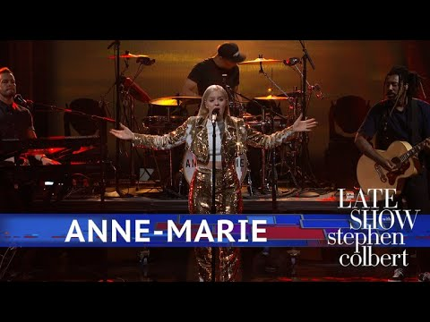 Download Anne Marie Performs '2002' free