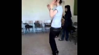 رقص جدید دختر مدرسه ای