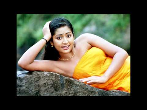 navya nair hot in blouse less scene