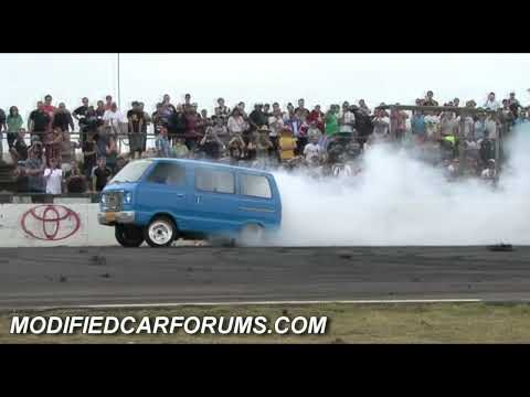 TOASTR lifting both wheels off the ground in his supernats 2009 burnout