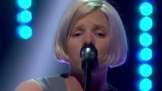 AURORA - Runaway (Live at Lindmo)