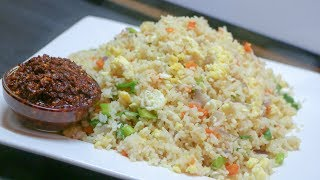 Quick bachelor's Recipe- Egg Fried Rice With Red chilli garlic sauce