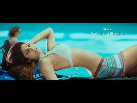 Shilpa Shetty hot scenes from Shut up and Bounce