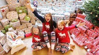 CHRISTMAS MORNING OPENING PRESENTS - MEGA SHOCK REACTION! VLOGMAS DAY 26!
