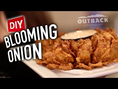 DIY Blooming Onion Feat. Mr. Pig