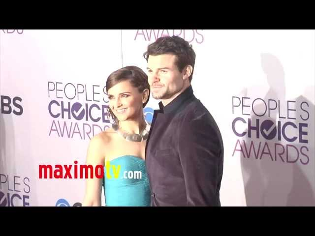 Rachael Leigh Cook and Daniel Gilles People's Choice Awards 2013 Red Carpet Arrivals