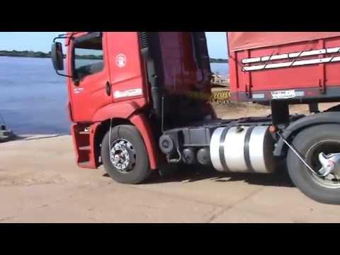 CARRETA 320 SUBINDO NA BALSA COM 43 TONELADAS