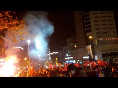 Bursalılar Referandum Zaferini Şehreküstü Meydanında Kutladı / 16.04.2017