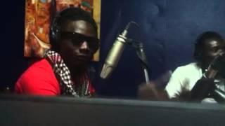 El weezya en direct à la radio Mitaani à Goma