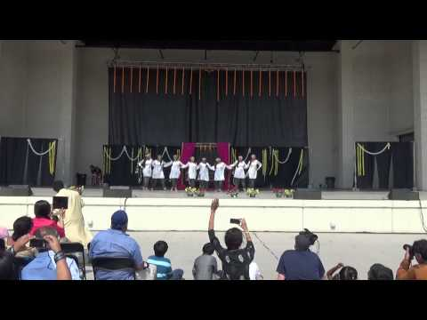 Kashmiri folk dance Festival of India Toledo 2014