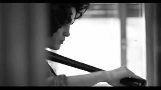Andrés Calamaro - Rehenes + Plástico fino (Videoclip oficial)