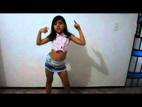 Prepara Anitta, karol dançando