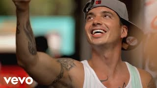 Download J Balvin - Tranquila (Official Music Video)