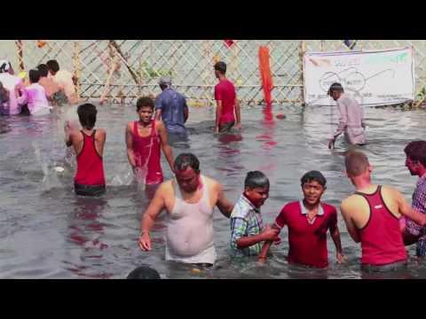 Ganesh immersion at Yamuna Ghat, New Delhi