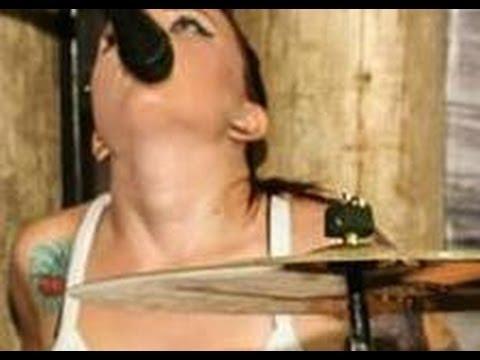 Caiu na net Ninfetinha Florianópolis descascando mandioca do amigo 18