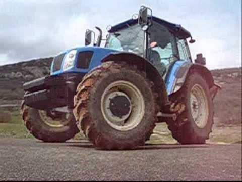 New Holland T5060 abonadora Vicon. épandage d´engrais