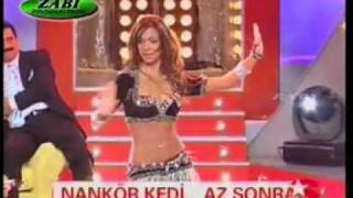 Best Belly dance with an indiaN song   - YouTube.flv
