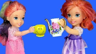 TEA PARTY ! Elsa and Anna toddlers visit Barbie & Chelsea - playdate