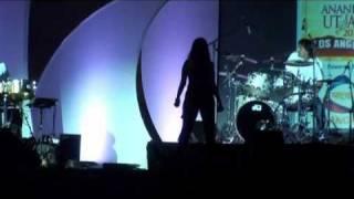 Sunidhi Chauhan sings Tagore's Bangla song in Los Angeles at Ananda Utsav 2010 - 3