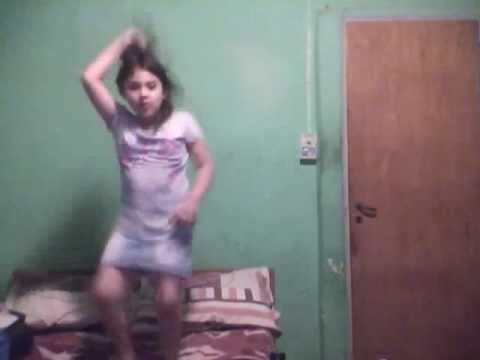 Mi Prima Bailando El Tao