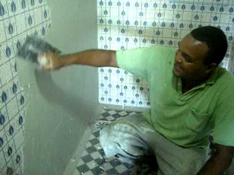 Tecnocimento nos banheiros do oitocentoseum