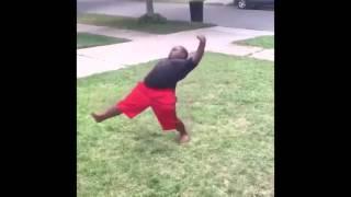 """""""You Is Flexible"""" Fat Kid Does Splits"""
