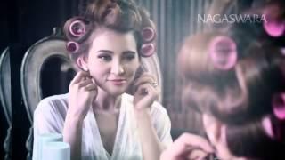 Yessy Bintang - Hatiku Terbang - Official Music Video HD - Nagaswara