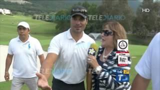 María Julia sorprende a Chayanne jugando golf.