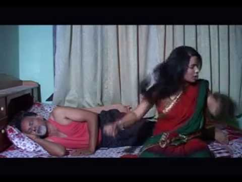 nude indian girlfriend doing foreplay pic
