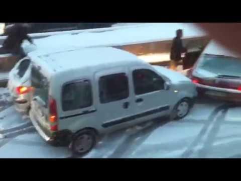 Karda panikleyen bayan sofor accidents at snow ankara turkey