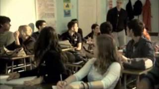 Sisanje - Novica tuce profesora (Profesor peder)