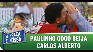 A Praça é Nossa (01/01/15) - Paulinho Gogó beija Carlos Alberto